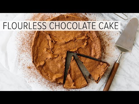 FLOURLESS CHOCOLATE CAKE | easy, gluten-free, paleo and keto friendly