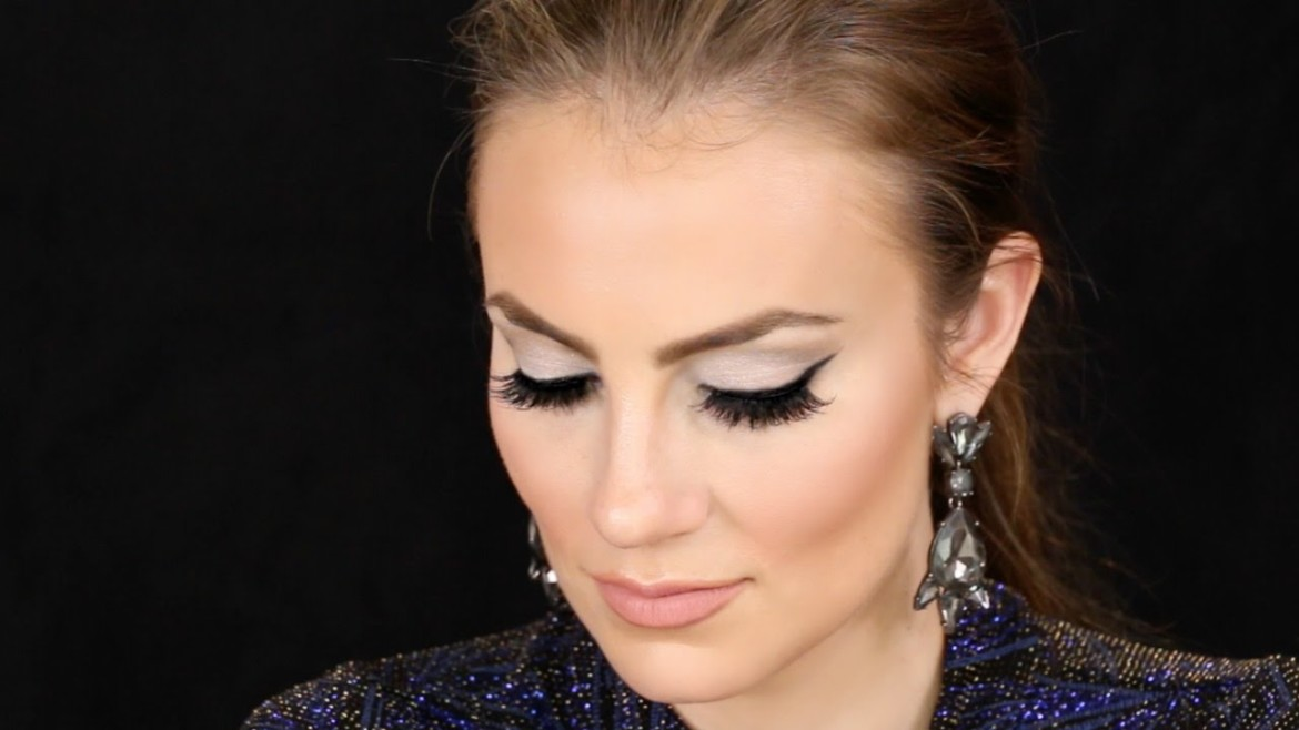 New Years Eve Makeup Tutorial | Silver Glitter | Sparkly Glam
