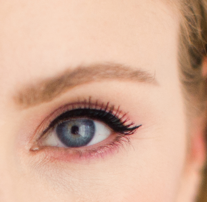 How to Pull Off the Colorful Eye Makeup Trend